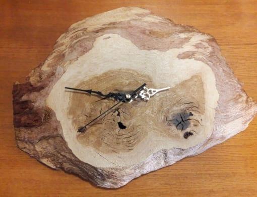 Dubové hodiny - 24 cm